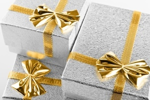 + Three Gifts Dec 08 13595235_s